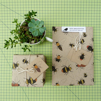 bee gift wrap set (100% recycled)