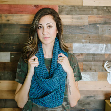 Infinity scarf, teal scarf, blue scarf, chunky infinity scarf, crochet, fall, winter, blue infinity scarf, blue, teal