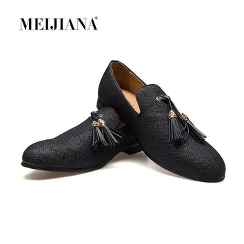 Handmade Metal fashion gold Tassel of Loafers Red Bottom Loafers Gentleman Luxury Fashion Stress Shoes Men Brand Men Shoes+