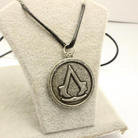 Necklace Assassins Creed Game Logo Badge Pendant Necklace