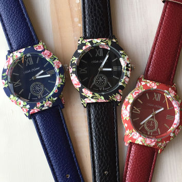 Flower Bezel Leather Strap Watch