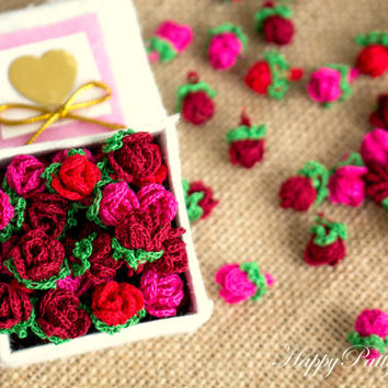 Mini Crochet Roses - 10 Small Crochet Flower Appliques - Scrapbooking Flowers - Card Applique - 10PCS - Pico Series