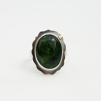 Chrome diopside sterling silver ring with 14k solid gold dot detail. Green gemstone cocktail ring handmade, modern, unique.