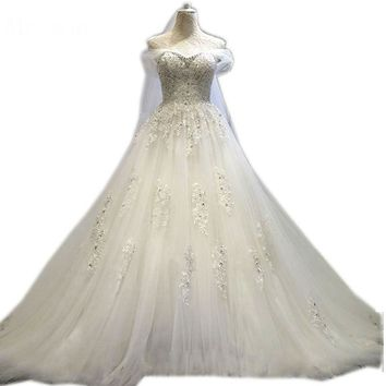 New Design Crystal Wedding Dress Ball Gown Sexy Lace Wedding Gown V Neck Lace Up