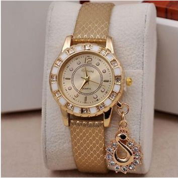 Fashion Lady Dress Watches Luxury Crystal Swan Pendant Wristwatches Women Quartz Relogio Clock Bracelet [6269940612]