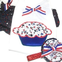 Patriotic Baby Outfit - Baby Girl Clothes, Cupcake Baby , Baby Bloomers and Cupcake Shirt. 4th of July Baby,  Peapodlilfrogs