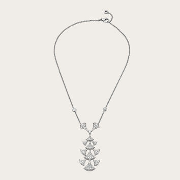 NECKLACE CL857570 - Discover Bvlgari's collections and read more about the magnificent Italian jeweller on the official website.