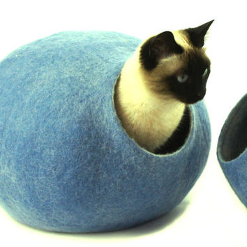 Cat bed, house, cave, nap cocoon from natural felted wool. FREE SHIPPING WORLDWIDE. Color sky blue. Size L.