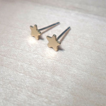 Tiny Star Stud Earrings on 925 sterling silver posts