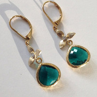 Preppy dangle earrings / emerald green earrings / Gold flowers and gold framed emerald glass / Teal Jewelry  / Teal green