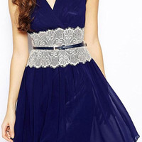 Retro Style Plunging Neck Sleeveless Spliced Lace Embellished Slimming Dress