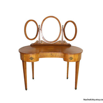 1870s Birdseye Maple Vanity, Triple Mirror Ladies Dressing Table, Antique English Fine Furniture