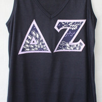 Navy Bella V-Neck Tank With  Navy and Lilac Flower Fabric On Lilac (207D)