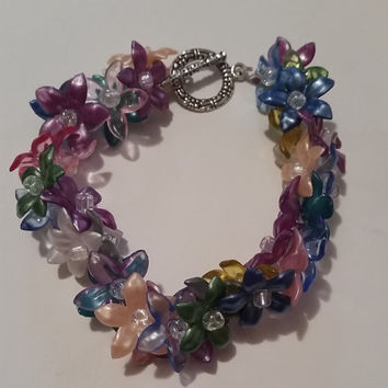 Acrylic Spring Summer Flower Bracelet with Silver Toggle Clasp. Great Mother's Day Birthday or Anniversary Present or Gift