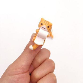 Sweet Private Cat Orange Cat Catch the Rolled Paper For Iphone 3.5mm universal dust Plug Earphone Jack Plug Headset Stopper Cap