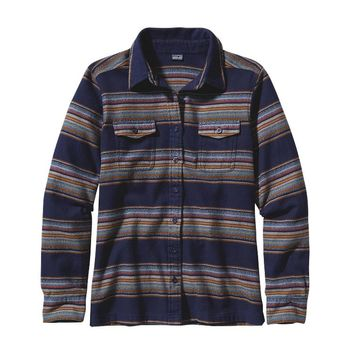 Patagonia Women's Long-Sleeved Fjord Flannel Organic Cotton Shirt | Gaucho Stripe: Classic Navy