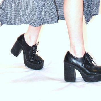 size 7.5 black mega platforms / total 90s grunge revival CLUB KID stacked toe platform shoes