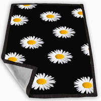 Daisy Flower Pattern Cute Yellow Tumblr Black Blanket for Kids Blanket, Fleece Blanket Cute and Awesome Blanket for your bedding, Blanket fleece *