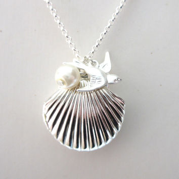 Silver Sea Shell Locket, Mermaid Necklace, Mermaid Wedding, Tiny Swallow, Silver Plated, Little Shell Locket, Nautical Jewelry, Gift Box