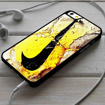 Nike Soccer Ball Art iPhone 6 | 6 Plus Case Dollarscase.com