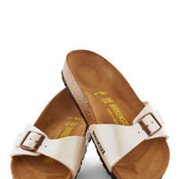 Zest Foot Forward Sandal in Pearl
