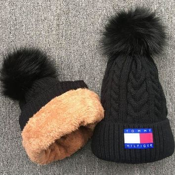 ESBCG8 Tommy Knit And Pom Hat Cap