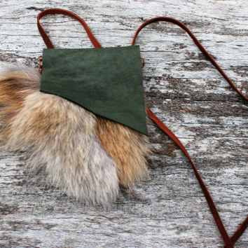 Green Medicine Bag with Red Fox Fur, Small Spiritual Necklace Pouch, Simple Herb Satchel Travel Leather Bag