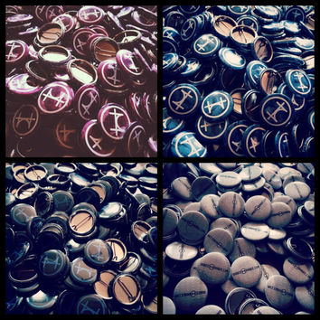 100 Custom 1 Inch Buttons / Pins