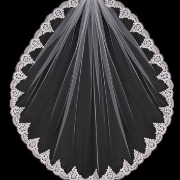 Single Layer Waist Length Lace Edge Veil