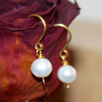 Small Pearl Earrings - Pearl Dangle Earrings - White Pearl 14k gold filled Earrings - Pearl Jewelry - Silver Earrings - Wire Wrap Earrings