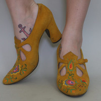 60s JERRY EDOUARD Embroidered Suede Heels - Vintage 1960s MUSTARD Leather Bohemian Babe Shoes - size 9.5 us / 40 eu