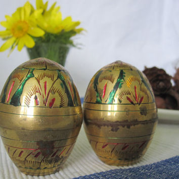 Vintage Mid-Century Brass Egg Salt and Pepper Shakers, 1960s Kitchenware,Solid Brass Eggs - Salt & Pepper