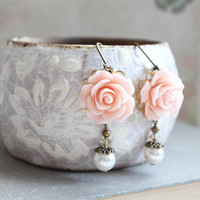 Light Pink Rose Earrings Bridesmaids Jewelry Ivory Pearl Drop Romantic Country Chic Wedding Flower Dangle Bridal Party Jewelry Vintage Style