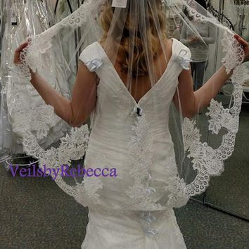 1 tier mantilla lace wedding veil,fingertip lace veil,Alencon lace fingertip veil,short lace veil, ivory mantilla lace bridal veil V616