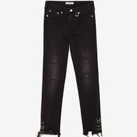 MID-RISE SKINNY JEANSDETAILS