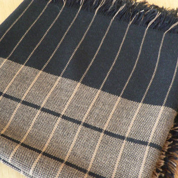 Vintage 1980's winter warm black and beige scarf.