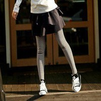 Funny Black White Horizontal Striped Tight Cotton Lycra Leggings B126