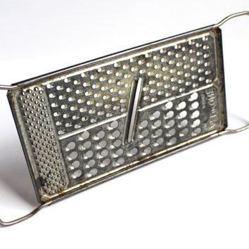 VINTAGE CHEESE GRATER, Vintage Handheld grater, vintage kitchenware, vintage kitchen decor, home decor, retro kitchenware,country decor,gift