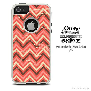 The Coral Abstract Chevron Pattern V3 Skin For The iPhone 4-4s or 5-5s Otterbox Commuter Case
