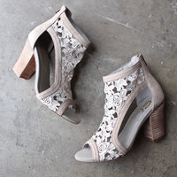 sbicca vintage collection - rocio lace heels in stone