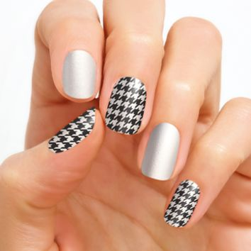 100% Real Nail Polish Strip by Color Street - Highlands Houndstooth (Buy 3 get 1 Free)