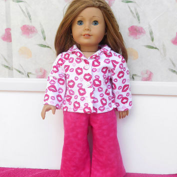 18 Inch Doll Pajamas, Pink and White Flannel Doll Pajamas, Kiss Pajamas, Doll Pyjamas, Winter Doll Clothes, Fits American Girl Dolls