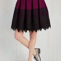Mid-length Full Earning Pleat Cred Skirt