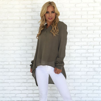 All Worth It Blouse In Olive
