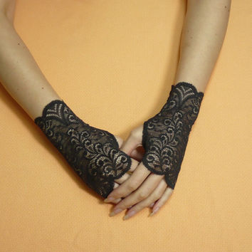 Short gothic Gloves, Fingerless Gloves in Black Color, Steampunk Miteins, Baroque Burgundy Lace, Cute Armwarmers in Gypsy and Boho Style