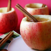 Holiday Ideas / Cider in apple cups. Cute!