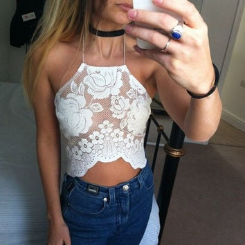Totally gorgeous white rose lace mesh halterneck crop top uk size 6/8