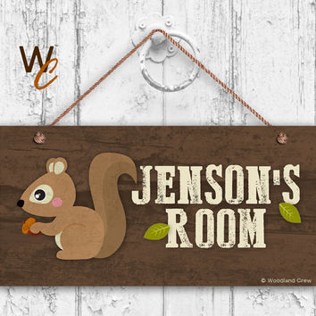 "Squirrel Sign, Woodland Personalized Sign,Kid's Name, Kids Door Sign, Baby Nursery Wall Decor, Weatherproof, 5"" x 10"" Sign, Made To Order"