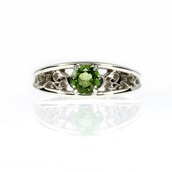 Green sapphire ring, sapphire engagement ring, white gold, yellow gold, green sapphire, solitaire, vintage style, filigree engagement