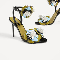 HIGH HEEL SANDALS WITH FLORAL DETAILS